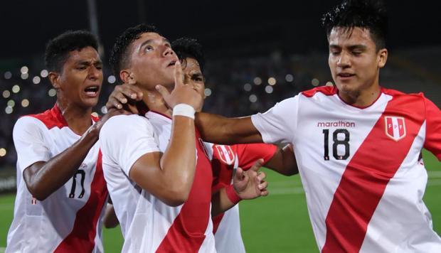 Peru vs Ecuador por el sudamericano sub 17.